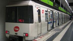 (04-11-18) Un grupo de grafiteros agrede a una mujer embarazada en un acto vandálico en el Metro de Barcelona
