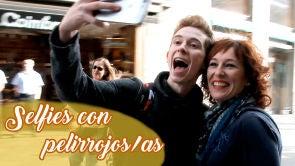 Consigue tres 'selfies' con tres personas pelirrojas
