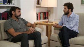 """(25-12-17) La entrevista de Gonzo a Óscar Camps sobre los refugiados: """"Una vez han podido dormir sin que nadie les patee, amenace o torture empiezan a haber sonrisas"""""""