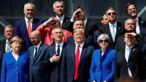 (12-07-18)  Trump redobla sus exigencias a la OTAN: plantea que sus miembros eleven el gasto militar al 4% de su PIB