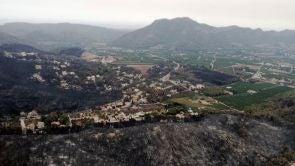 (09-08-18) Dan por estabilizado el incendio de Llutxent tras lograr perimetrarlo: el fuego mantiene dos focos activos
