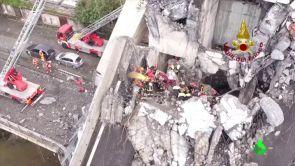 (15-08-18) Trabajo a contrarreloj para buscar supervivientes en Génova: siguen escuchándose voces entre los escombros del puente