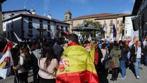 (04-11-18) 'España Ciudadana' celebra en Alsasua un acto de apoyo a la Guardia Civil