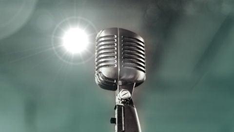 Cantando al...