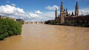 (15-04-18) El río Ebro alcanza su mayor cauce por Zaragoza en tres años