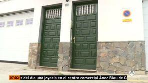 (17-07-18) Los investigadores encontraron una nota en la vivienda de La Orotava donde han sido hallados muertos un matrimonio y sus hijas