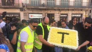 (18-08-18) Los taxistas de Barcelona homenajean a las víctimas del 17A con una marcha hasta La Rambla
