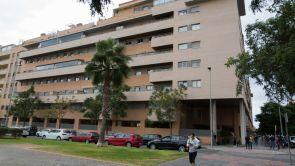 (09-10-18) Un hombre arroja a una niña de seis años por la ventana de un sexto piso y después se suicida en Málaga