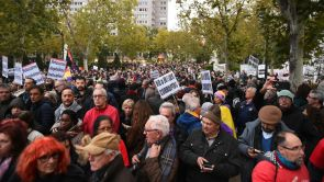 """(10-11-2018) Concentración frente al Tribunal Supremo contra su fallo sobre las hipotecas: """"Dictaduras de los bancos no"""""""