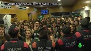 (05-12-18) Escrache contra Albert Rivera y Manuel Valls en Barcelona con consignas independentistas