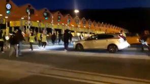 (09-12-18) Los CDR levantan los peajes de autopistas y autovías de Cataluña en plena operación retorno del puente